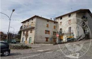 Lizzano in Belvedere (BO) Via dei Pini, 6 - Frazione Querciola - appartamento