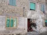 Immagine di Casa di civile abitazione in fabbricato 'condominiale' con annesso posto auto scoperto e quota di comproprieta' sulla corte comune.