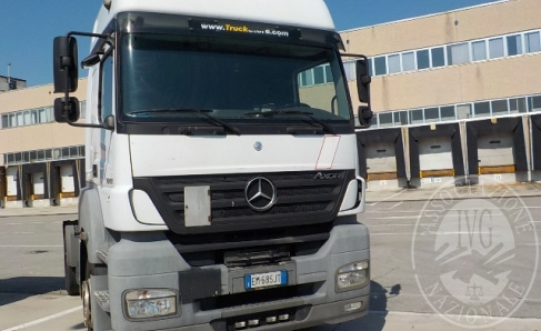 Immagine di Fall. Trans Vector 2 Srl n. 921/2017 - Trattore Mercedes Benz, targato EM685JT