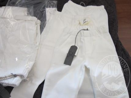 Pantaloni COCCODE' di colore bianco, taglie assortite, NUOVI