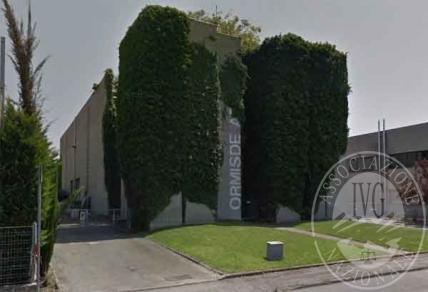 Lotto 1: piena proprieta' di fabbricato ad uso produttivo in piu' corpi con uffici, abitazione, locali accessori  e area cortilizia di pertinenza in Parma